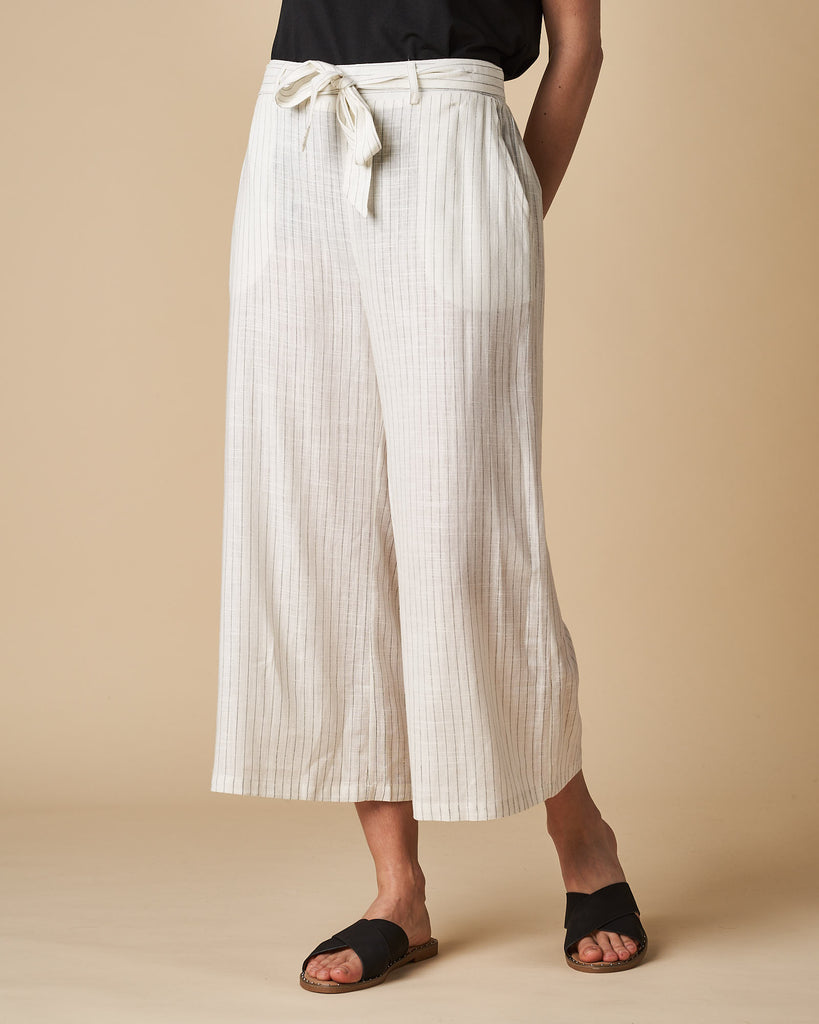 3/4 Elastic Waist Pant - White Thin Stripes