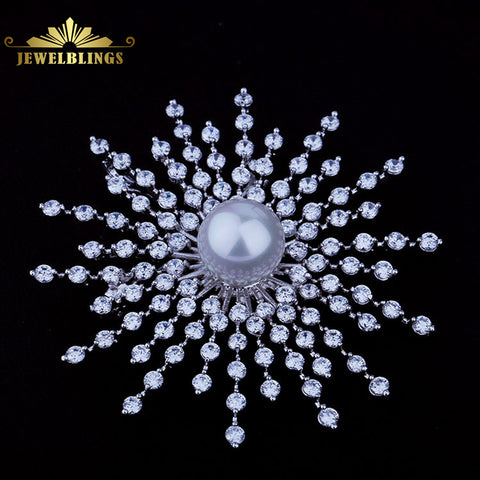 White Shell Pearl Brooch 5 Tier Stone