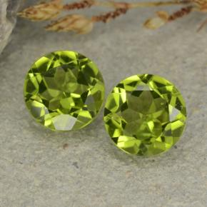 2.32 ct (total) Round Facet Lively Green Peridot 6.9 mm