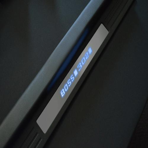 BOSS 302 Illuminated Door Sill Plates