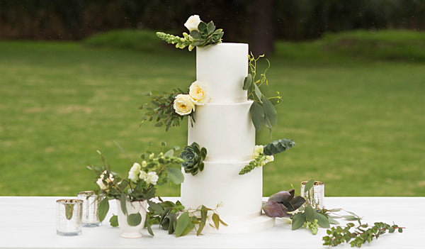 Unique ideas for wedding cake toppers