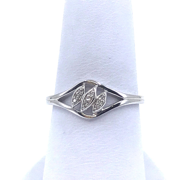 14K White Gold Ring