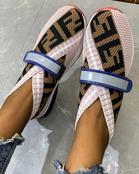 Colorblock Round-toe One Bandage Flat Sneaker