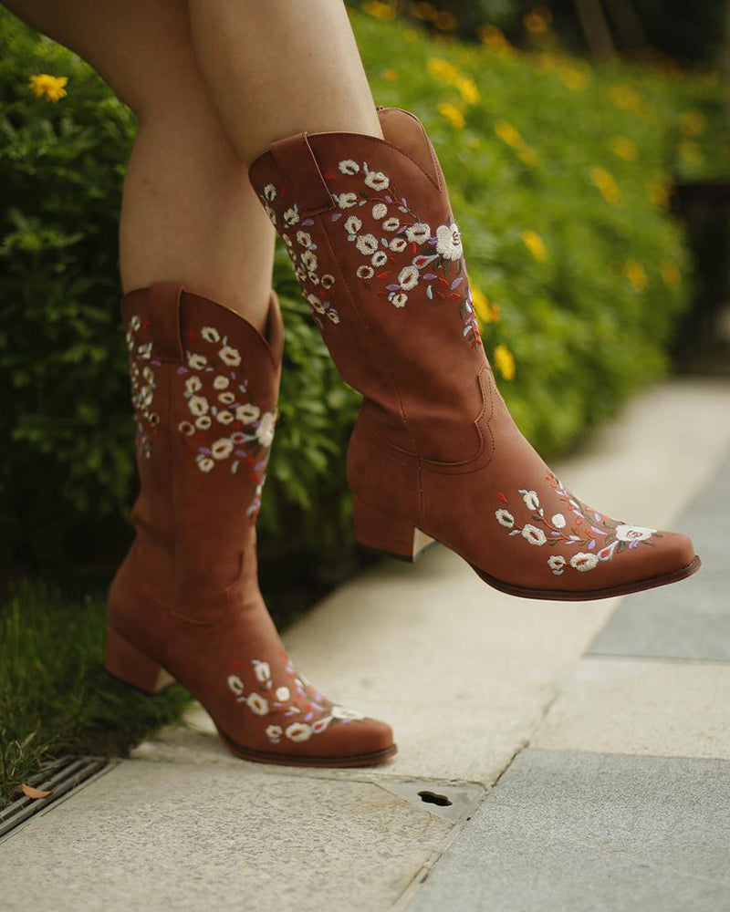 Embroidery Flower Pointed Toe Western Booties