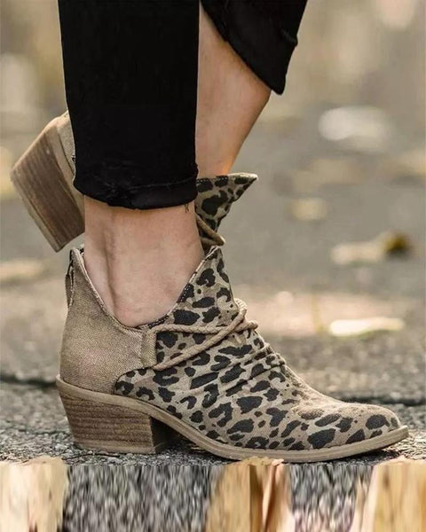 Stitching Leopard Pointed-toe Boots