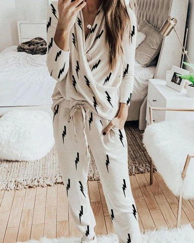 Lightning Print Long Sleeve V-neck Pajamas Set