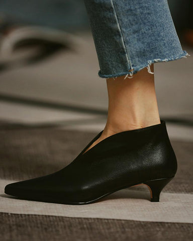 Solid Pointed-toe Shallow Mouth Martin Boots