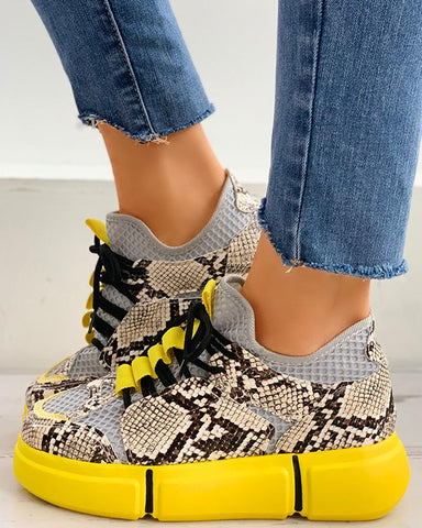 Lace-Up Snakeskin Print Muffin Casual Sneakers