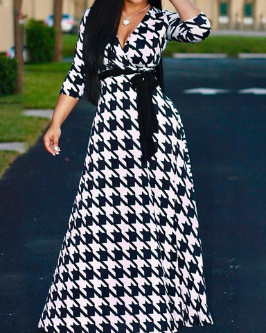 Plus Size Houndtooth Printed Belted Maxi Dress