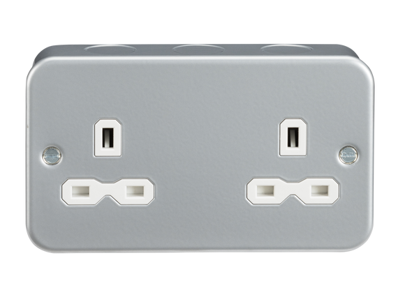 ML Accessories-MR9000U Metal Clad 13A 2G Unswitched Socket