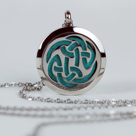 Aromatherapy Locket and Necklace: Celtic Knot
