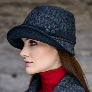 Clodagh Hat: Grey Tweed