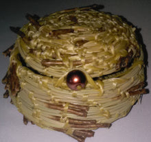 Load image into Gallery viewer, Pine Needle Basket with Lid