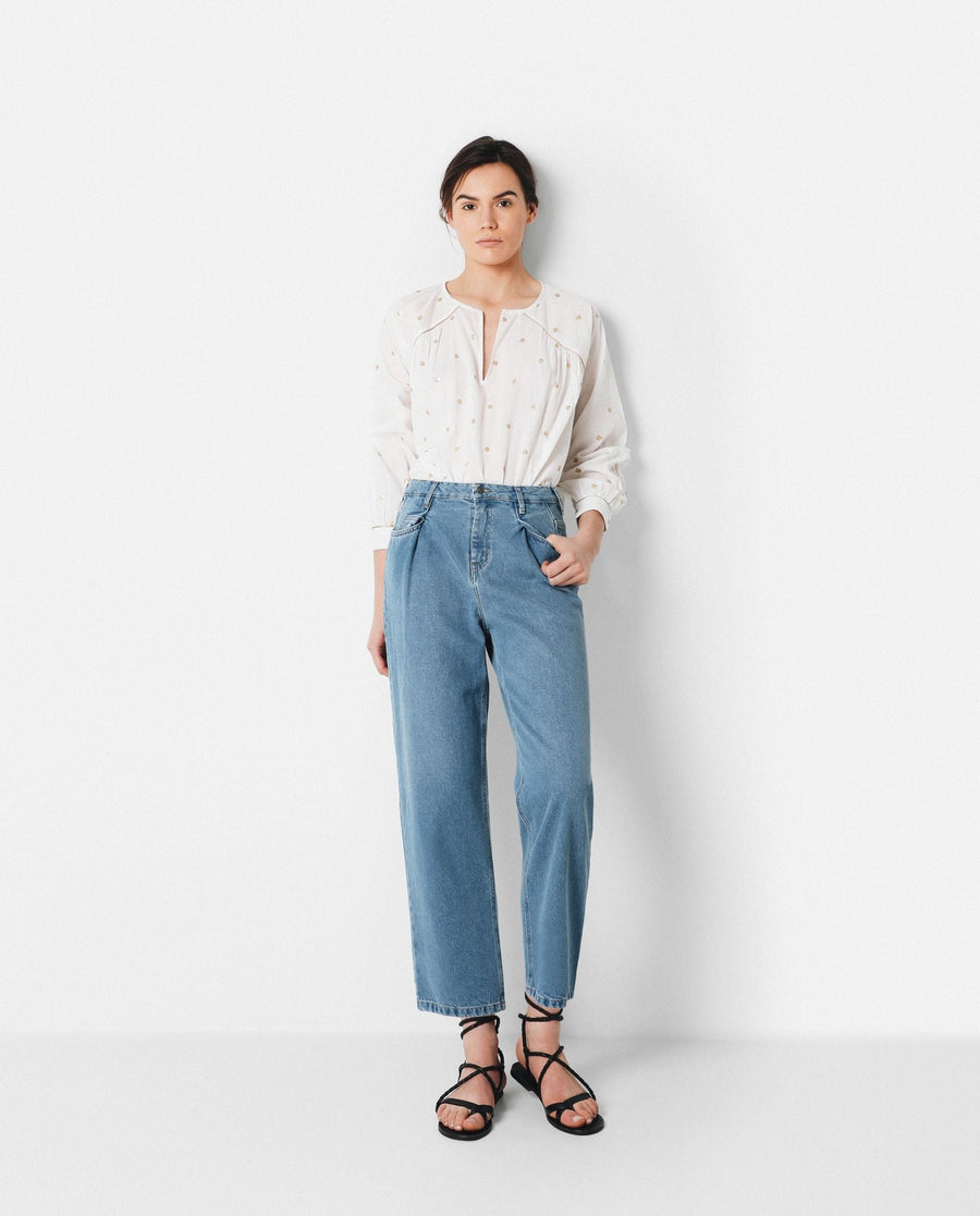 DARTED JEANS