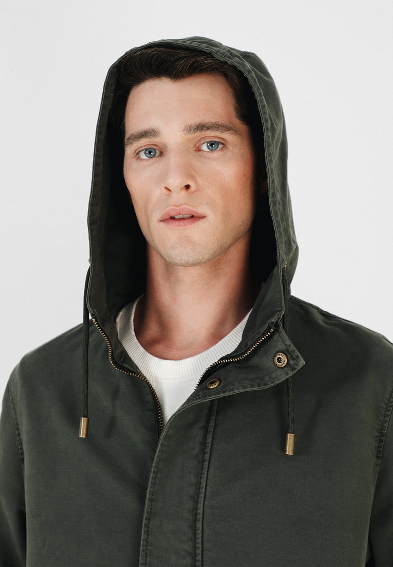 LIGHTWEIGHT JACKET WITH HOOD