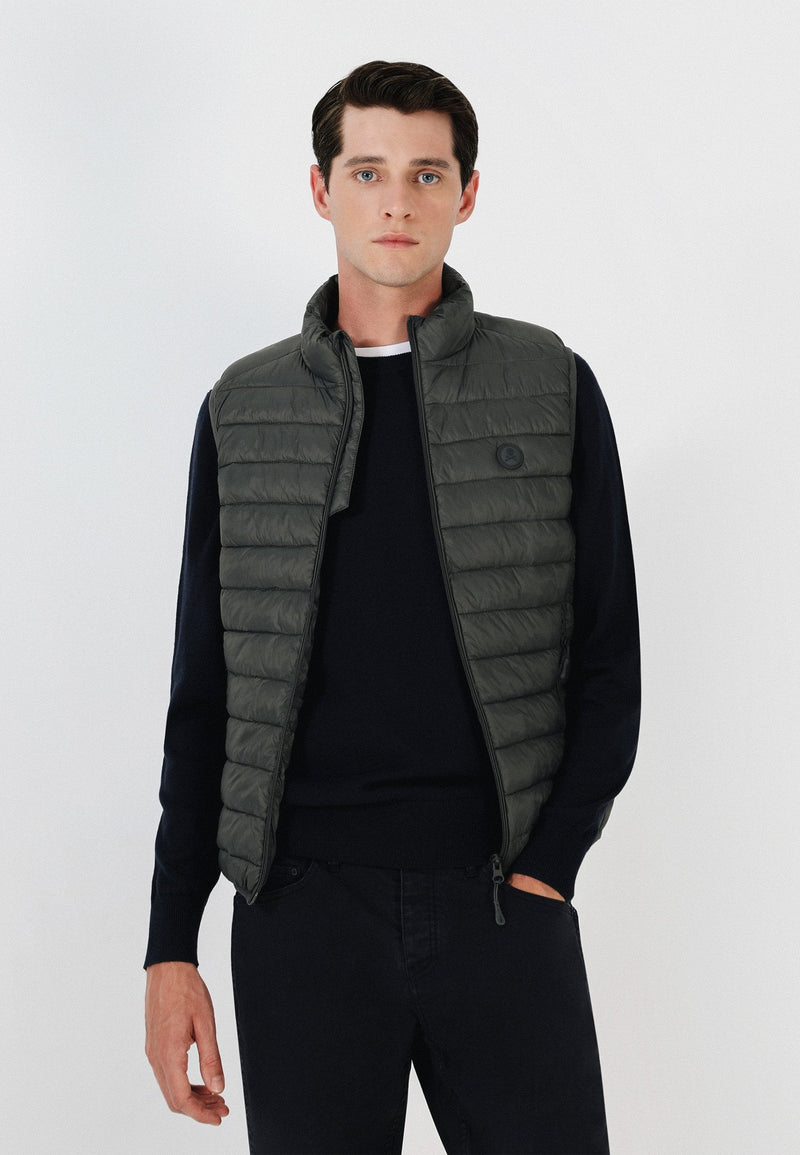 QUILTED GILET WITH SKULL