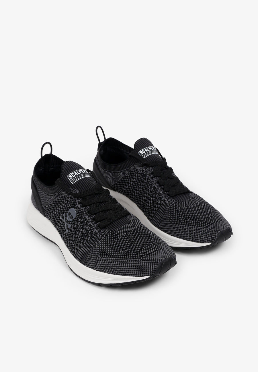 LIGHTWEIGHT COMFORT SNEAKERS