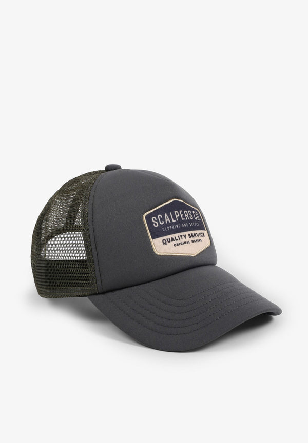 TRUCKER CAP WITH PATCH AT THE FRONT