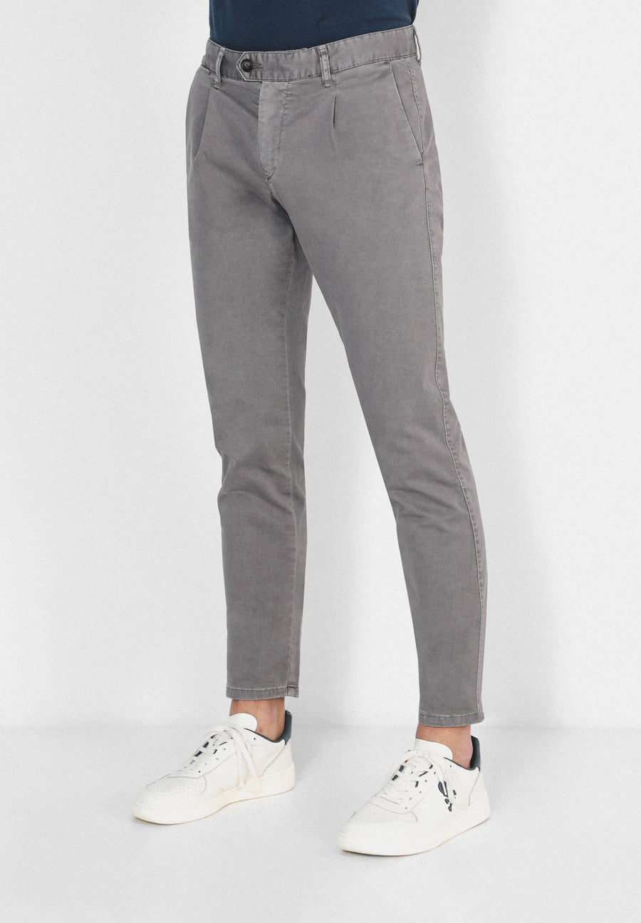 CHINO TROUSERS WITH DARTS