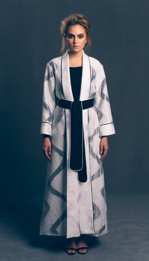 Long Sleeved Woven Robe in White