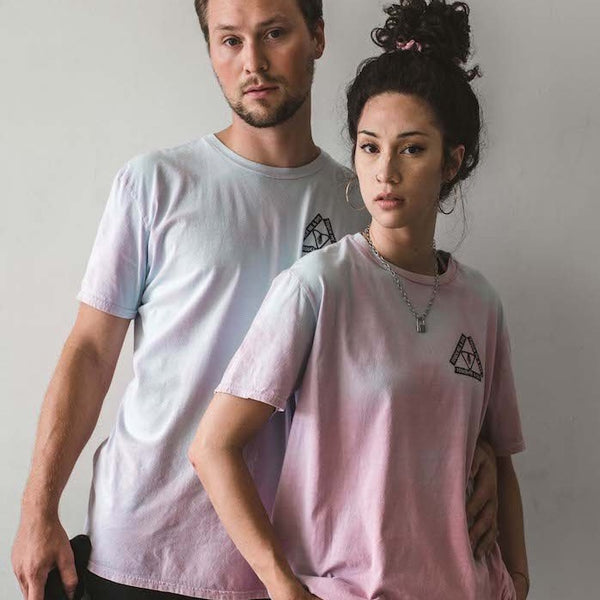TOUCH ME & DYE- unisex color changing t-shirt (cotton candy)