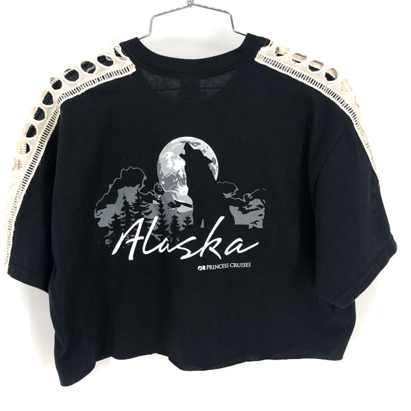 RECOLLECTION Vintage Alaskan Wolf Crop T-Shirt