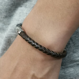 BSS675 STAINLESS STEEL LEATHER HALF BRACELET