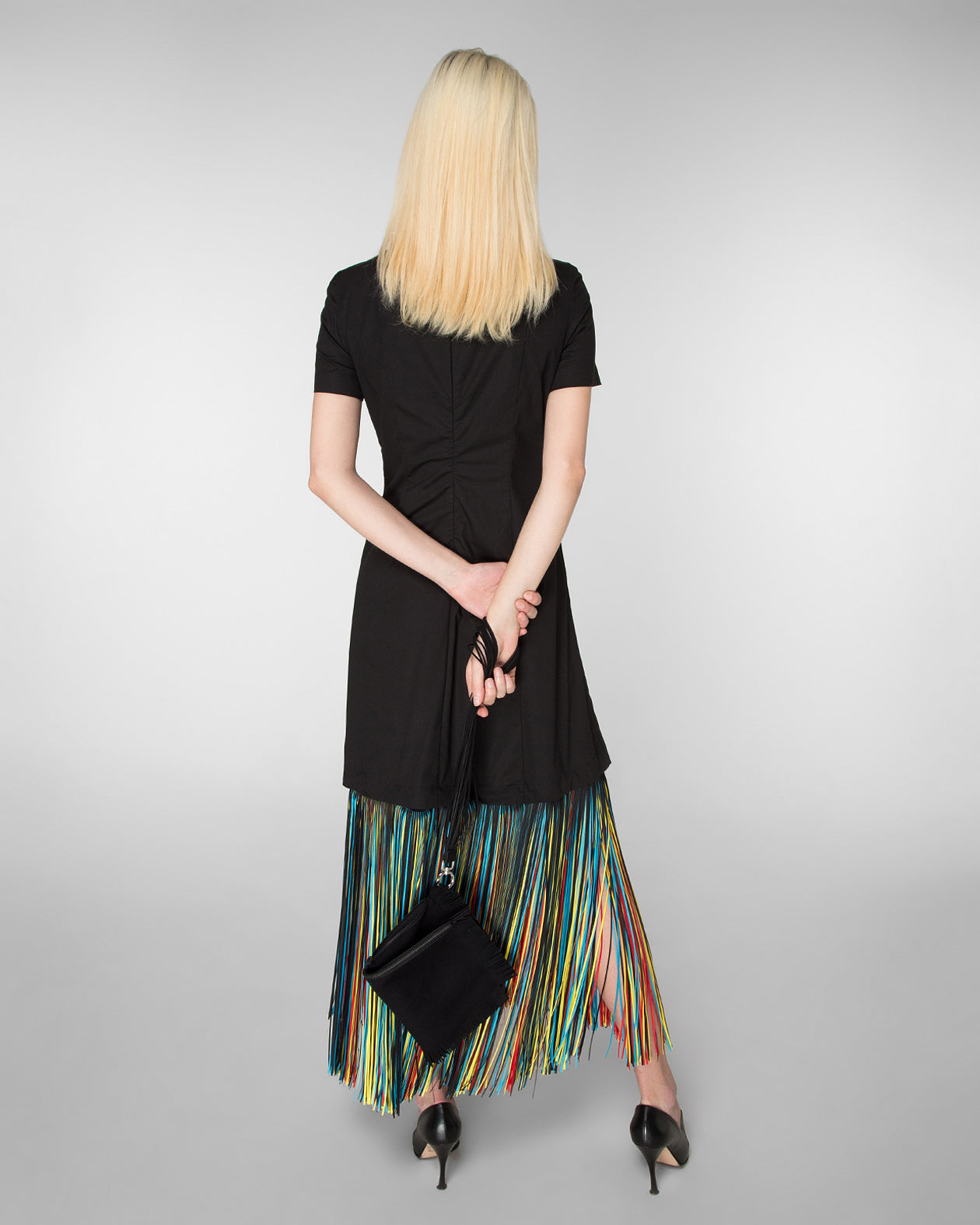 Short sleeve dress with laser-cut fringe hem