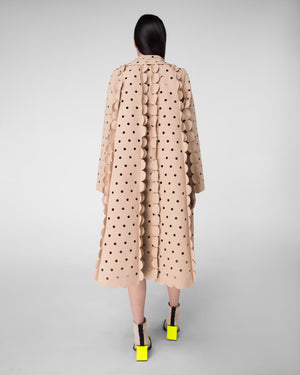 Short point collar laser-cut coat