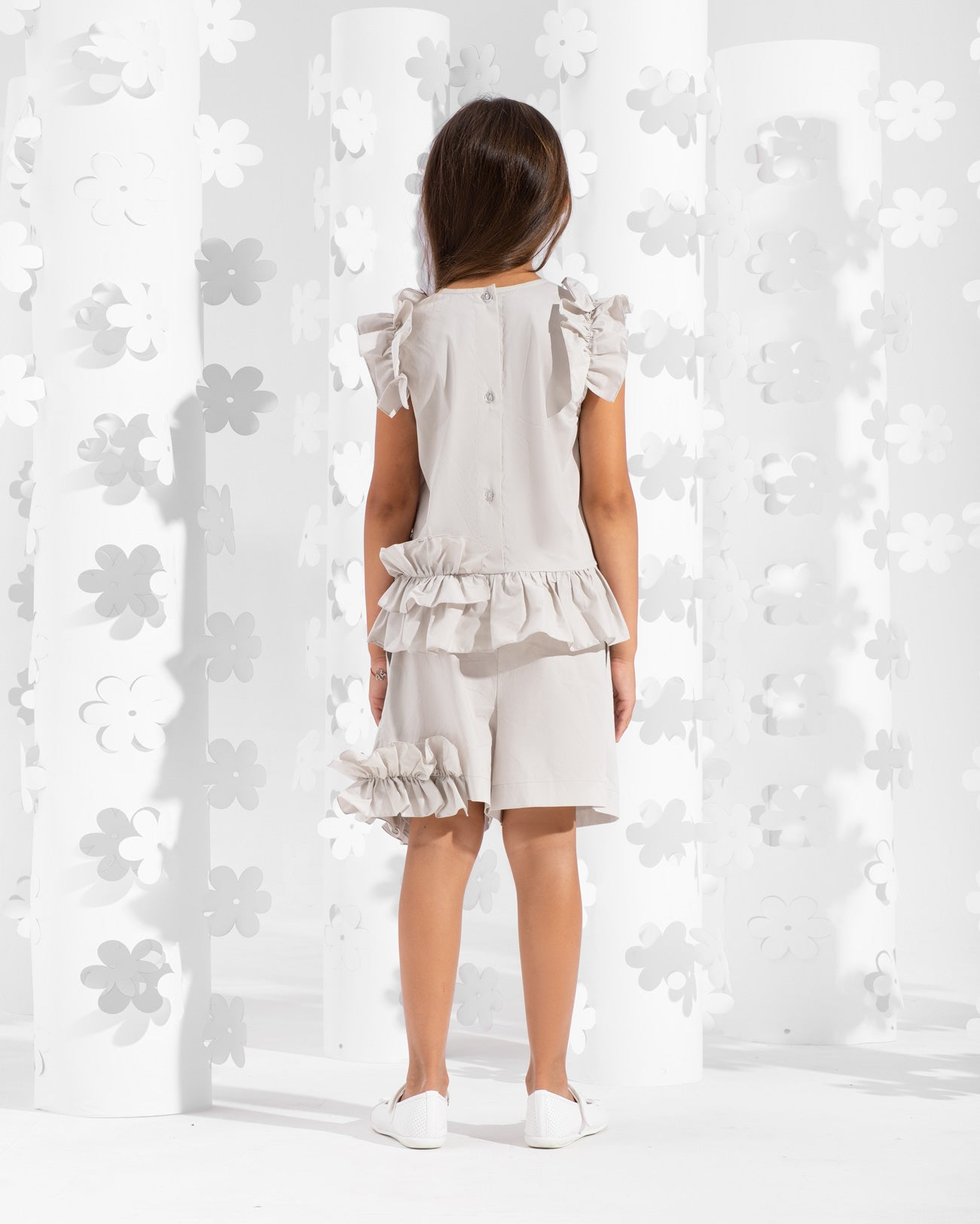 Short decorated with asymmetrical frill