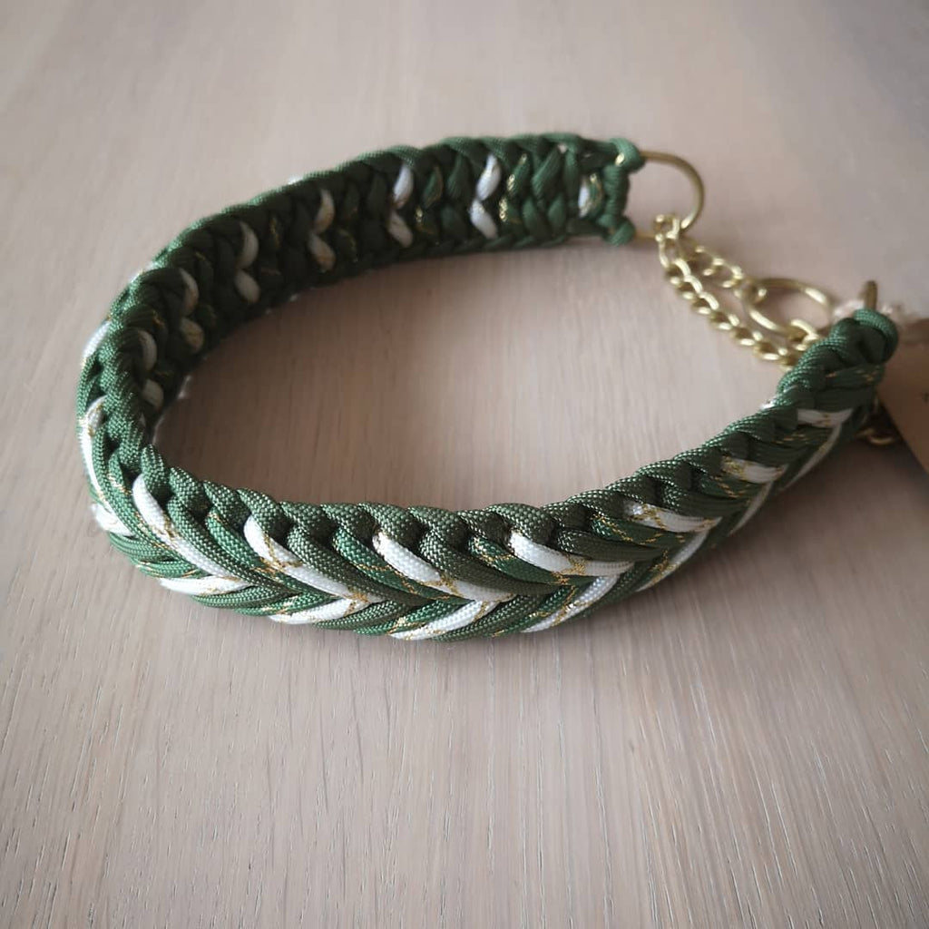 by Charlotte - Paracord Collar - Handmade