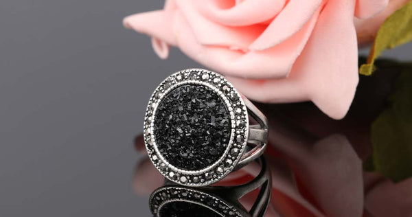 Black Broken Stone Women's Ring - Bohemia Silver Plated Ring Fashion Jewelry