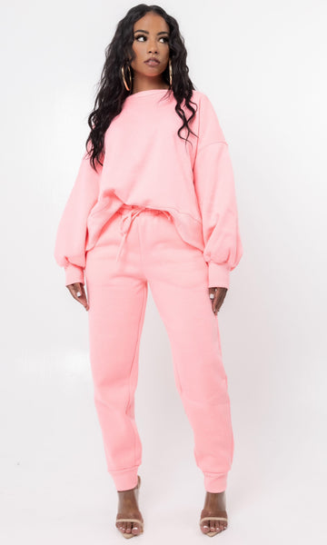 INTO SPRING SWEATSUIT