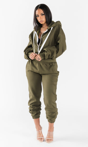 BASICALLY HER JOGGING SET (OLIVE)