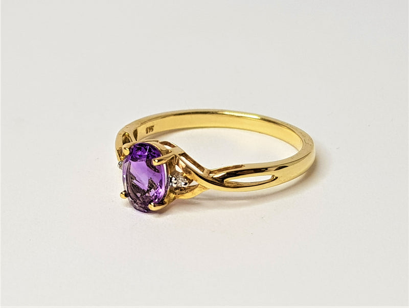 9ct Yellow Gold Oval Amethyst and Diamond Twist Ring