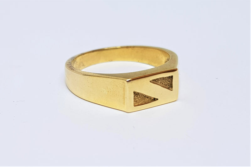 9ct Yellow Gold Oblong Ring