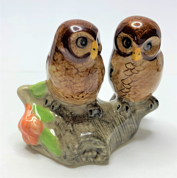 2x Brown Owls On A log