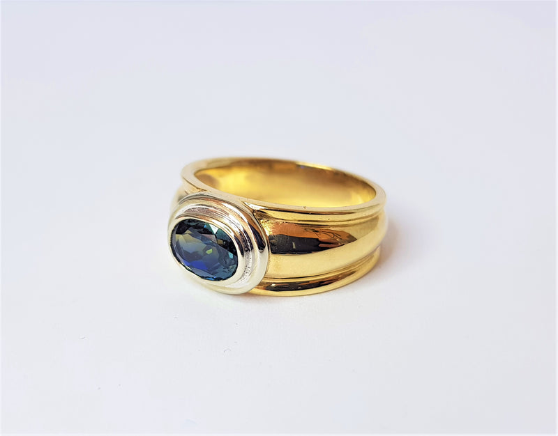 9ct Yellow & White Gold Inverell Sapphire Bezel Ring