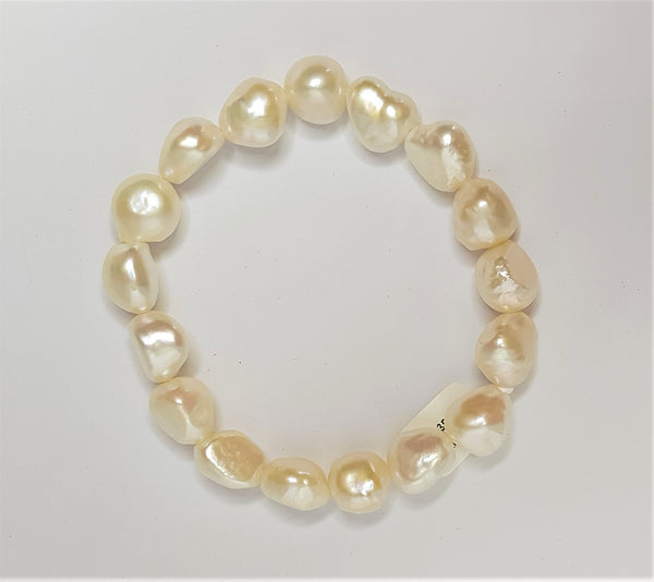 White baroque Fresh Water Pearl elastic bracelet