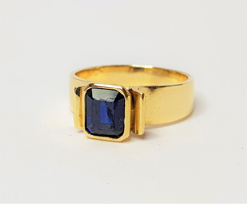 9ct Yellow Gold Emerald Cut Sapphire Bezel Ring