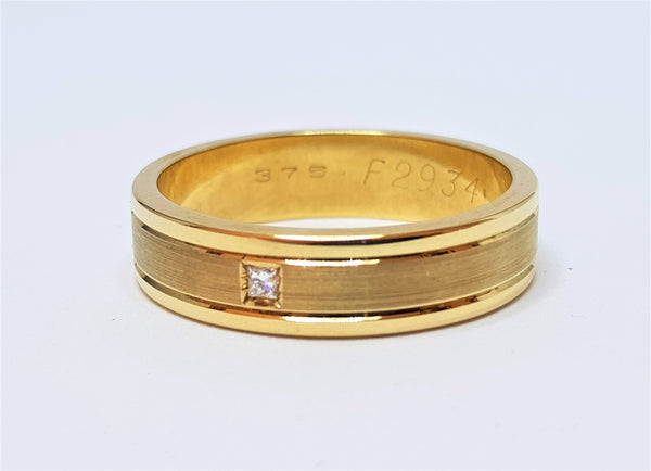 9ct Yellow Gold Faceted with Diamond Ring