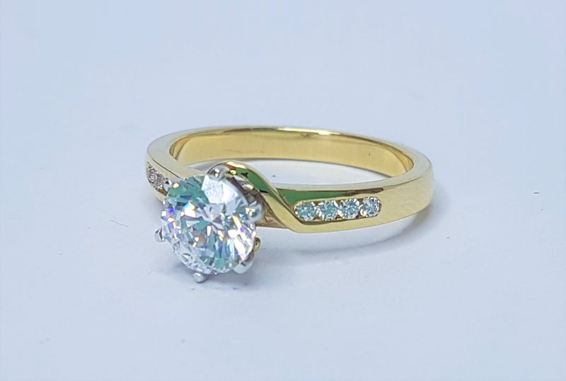 9ct Yellow Gold Round CZ with CZ Shoulders Ring