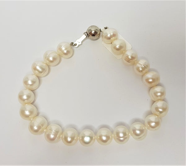 White Circle Fresh Water Pearl Sterling Silver Bracelet