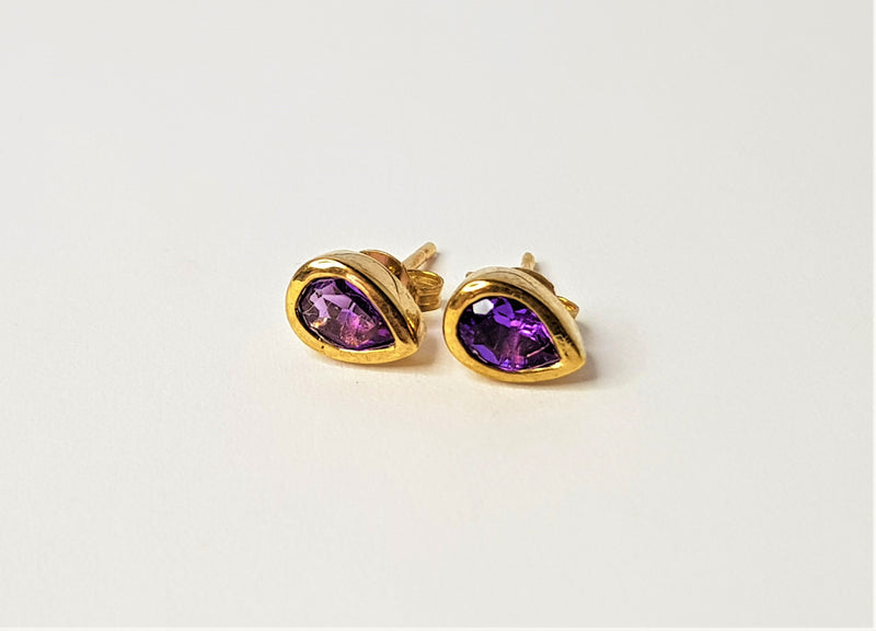 9ct Yellow Gold Pear Amethyst Studs