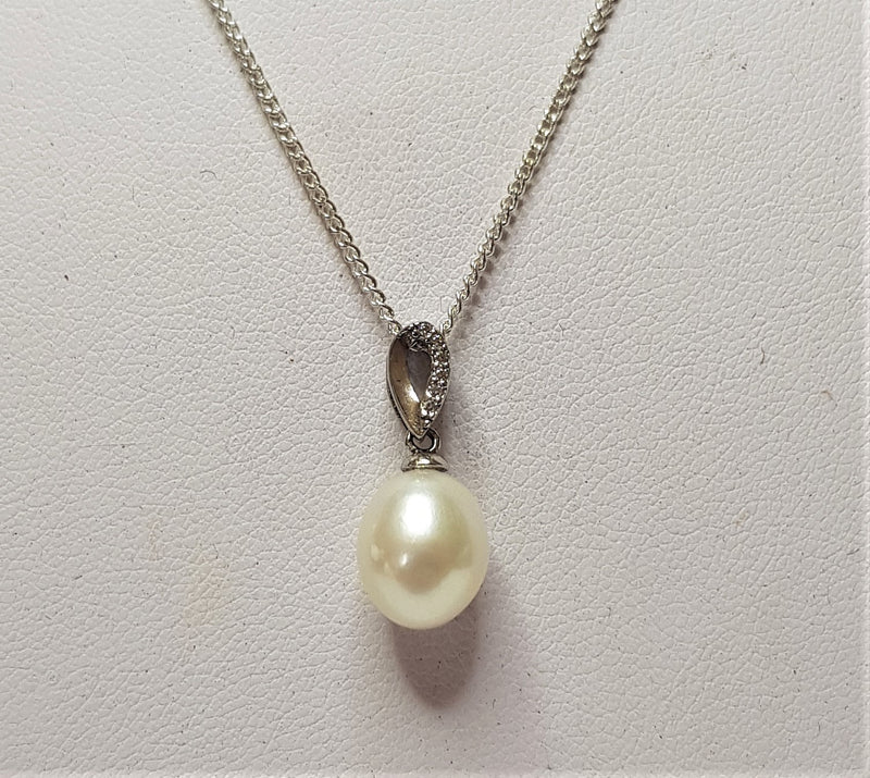 Sterling Silver White Fresh Water Pearl Pendant
