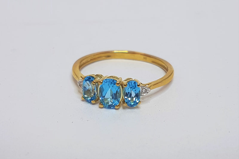 3x Topaz  And Diamond 9ct Yellow Gold Ring