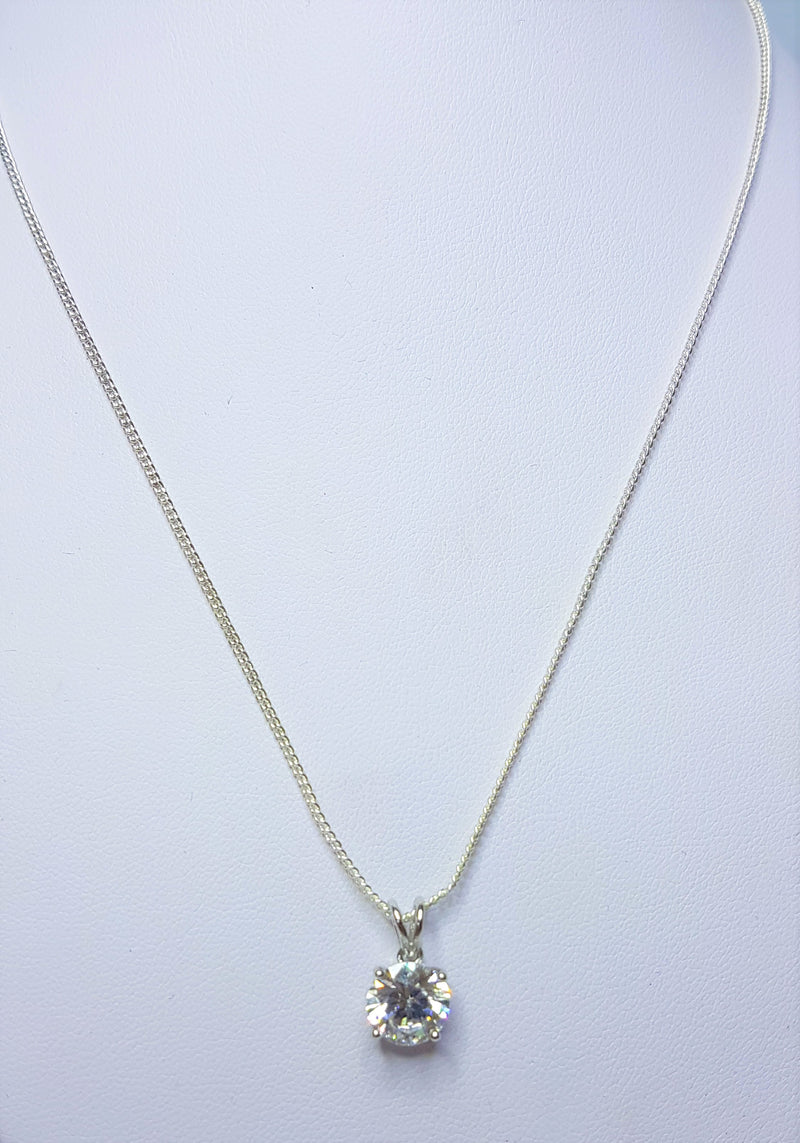 9ct White Gold 8.25mm CZ Claw Pendant