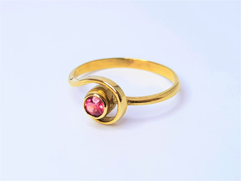 9ct Yellow Gold Round Pink Spinel Swirl Ring