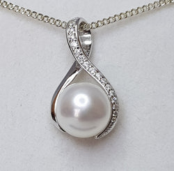 8.5mm Fresh Water Pearl CZ Twist Sterling Silver Pendant