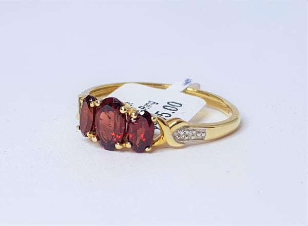 9ct Yellow Gold 3 Oval Garnet and Diamond Ring